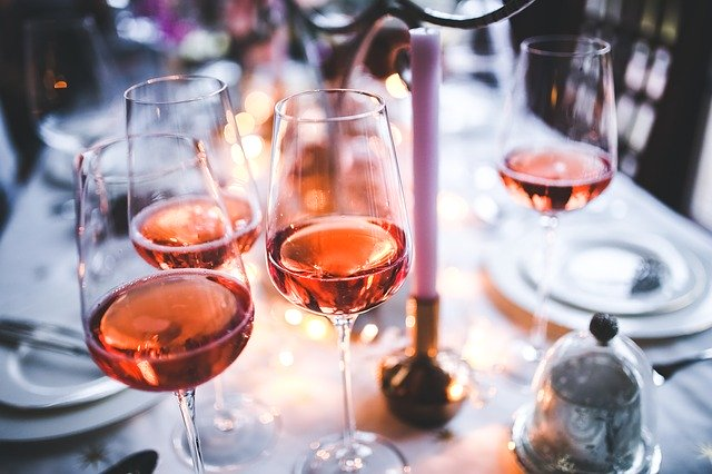 水割り ワイン フランス人は、子供のころから、ワインを飲んで育つんですか?
